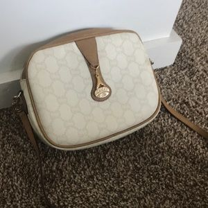 Well loved Gucci Plus Vintage crossbody